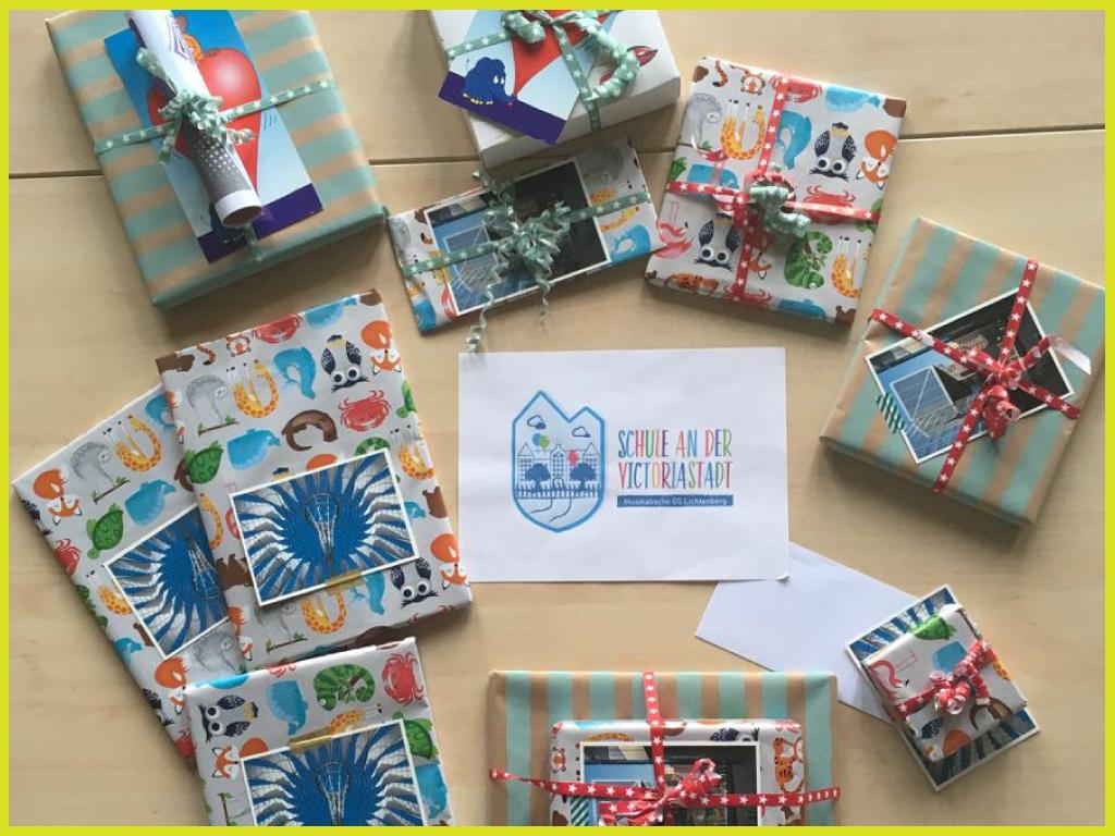 Geschenke für die Gewinner des Malwettbewerbs